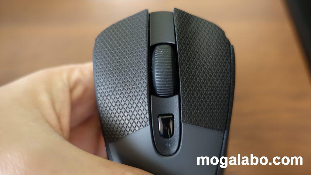 マウスの左クリック、右クリック(滑り防止のマウスソールを貼った状態)