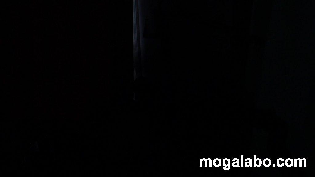 部屋の明かりOFF時と電源オフ