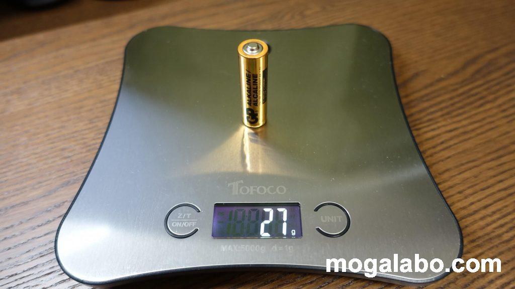 単三電池の重量は27g