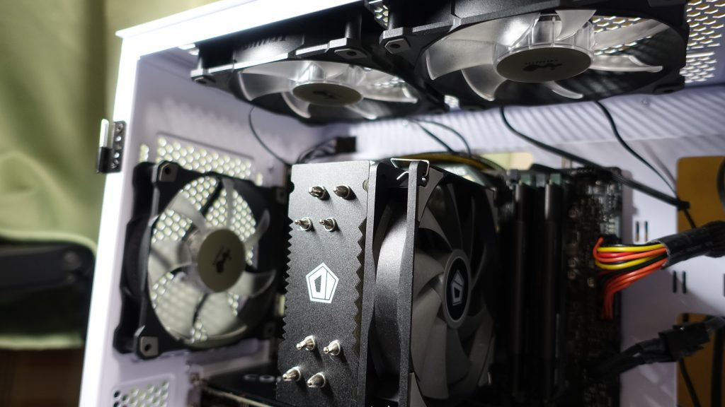 MicroatxのPCケース